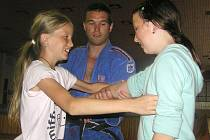 Děti se učily judo od skutečného mistra
