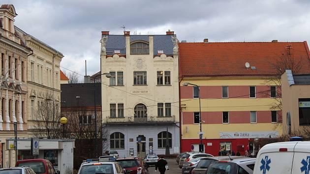 Muzeum umění a designu na Malém náměstí v Benešově.