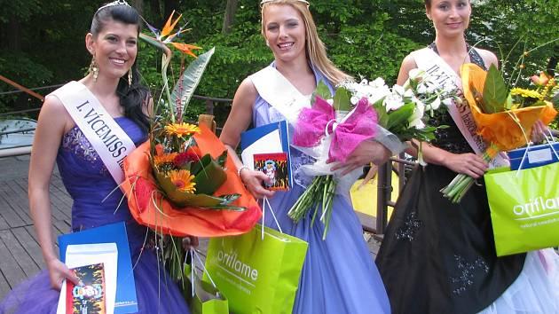 Miss a obě vicemiss z prvního ročníku se do Miss hasička Středočeského kraje 2013 už přihlásit nemohou.