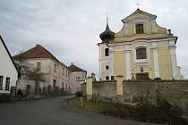 Fara v Okrouhlici nedaleko Benešova