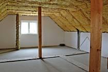 Zvěstovský DPS má zateplenou půdu, kterou teď čeká přestavba na dva byty pro mladé.