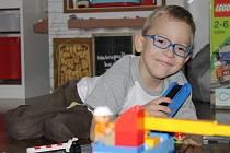 Nejoblíbenějšími hračkami malého Míry jsou nejrůznější stavebnice. S nimi si vydrží hrát celé hodiny.