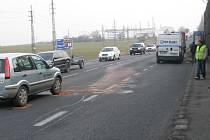 Úterní nehoda na silnici I/3 u Benešova zpozdila stovky motoristů.