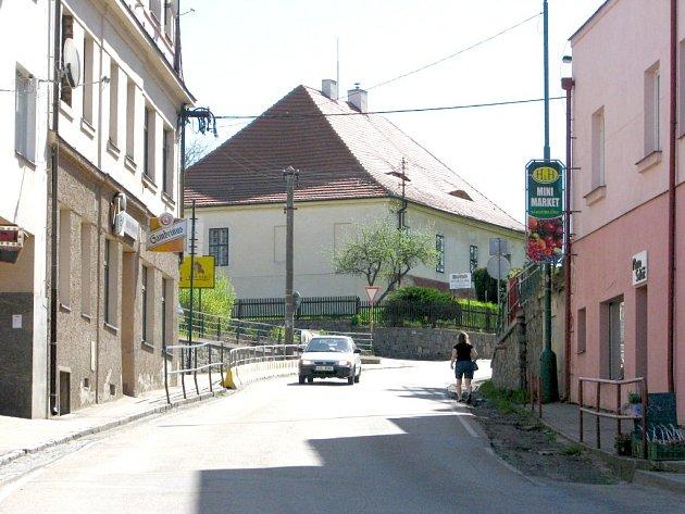 Týnecká Benešovská ulice.