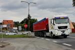 Miličínu rozpáranému hlavní silnicí mají prospět podchod a podjezd.