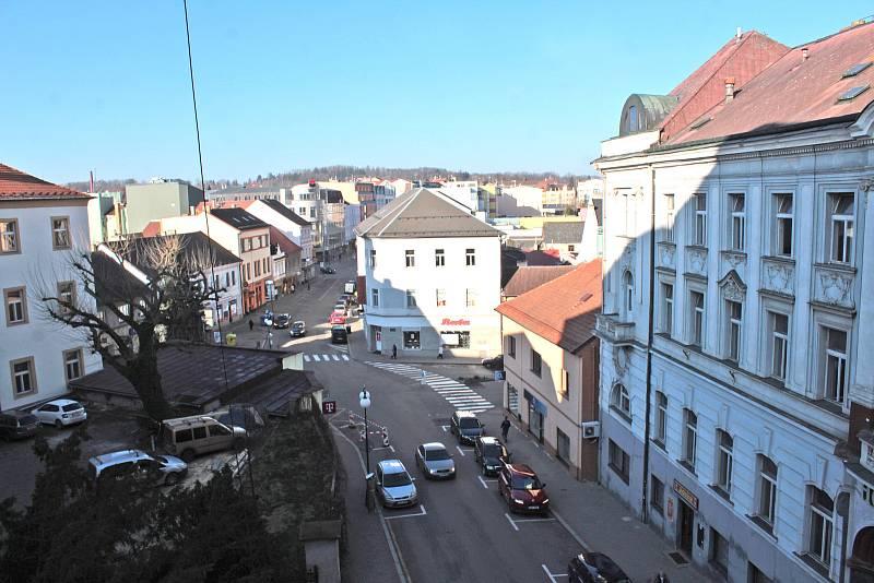 Benešov při pohledu ze střechy kostela sv. Anny - Tyršova ulice.