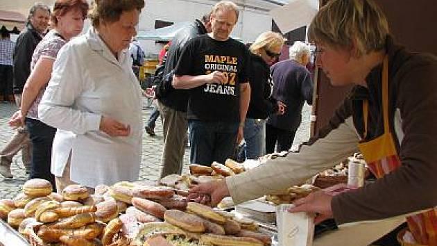 První farmářské trhy v roce 2011.