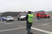 17. prosince 2007 byl slavnostně otevřený úsek od Čekanic k Meznu. Pokračování dálniční komunikace k Praze je v nedohlednu.