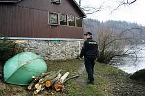 Minulý rok policisté evidovali téměř 5 tisíc vloupání do chatových objektů. Ilustrační foto.