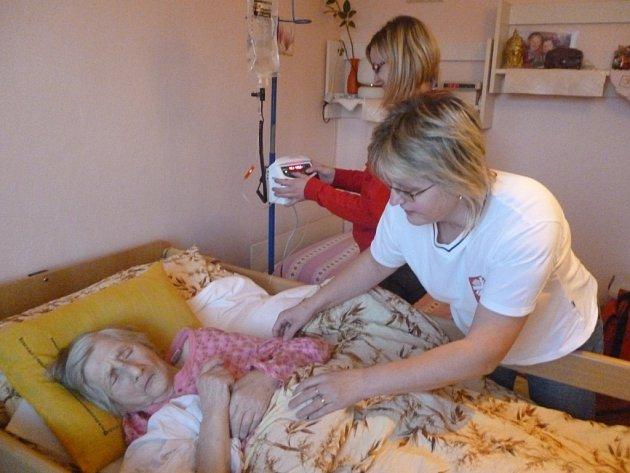 Domácí péči poskytuje vlašimská Farní Charita už patnáct let.