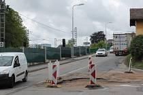 Havárie kanalizace v křížení Máchovy a Hodějovského ulice v Benešově
