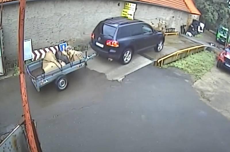 Krádež v bystřických sběrných surovinách.