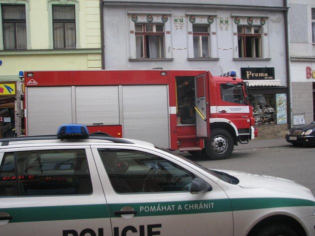 V neděli odpoledne v půl třetí hořelo v benešovské Tyršově ulici