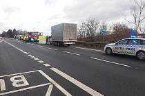 Tragická dopravní nehoda na silnici I/3 poblíž odbočky u Tomic.