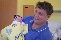 Malý Josef se narodil 14. září v9.10 v benešovské porodnici. Při narození vážil 3730 gramů a měřil 50 centimetrů. Jeho rodiče, Ivana a Josef Vašákovi, budou se svým prvorozeným synkem žít v Mrači.