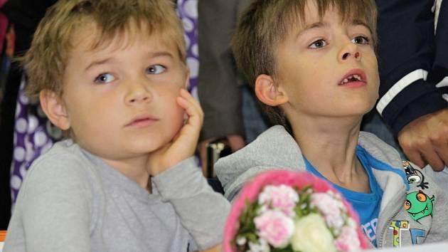 Školní rok 2014/2015 začal. například ZŠ v benešovské Jiráskově ulici má čtyři třídy prvňáků. Třeba i 1.D.