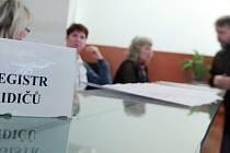 Řidičské průkazy si na Benešovsku nevyměnily stále ještě stovky řidičů.