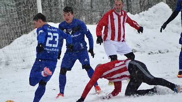 V chumelenici nastřílela druholigová Vlašim devět gólů do sítě lídra tabulky ČFL Jiren.