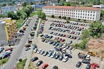 Pražská kasárna v Benešově z nadhledu.