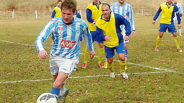 Čáslav ukázala v Horních Bučicích Benešovu pěti góly rozdíl mezi divizí a Českou fotbalovou ligou.