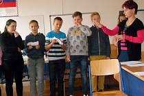 Sedmáci ze všech tří základních škol v Benešově navštívili město Partizánské, s nímž Benešov spolupracuje.