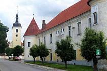Vše potřebné turistům zajistí infocentrum v na nádvoří zdejšího zámku
