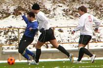 Na nové umělé trávě se odehrálo druhé kolo zimního fotbalového turnaje, kterého se účastní okresní mužstva od III. do I. B třídy
