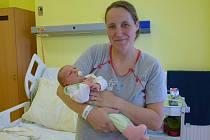 Barbora Zímová se manželům Anně a Daliborovi narodila v benešovské nemocnici 5. července 2020 v 9.09 hodin, vážila 3940 gramů. Doma v Kácově na ni čekají bratři Jakub (3) a Vojtěch (4).