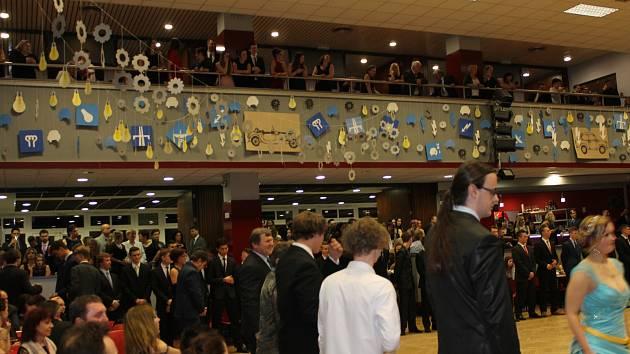 Absolventský ples studentů ISŠT Benešov