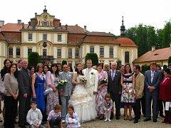Na zámku Jemništi  si  v sobotu 29. května řekli své ano Julie Filipová z Choratic a Lubomír Hájek z Prahy.