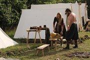 Bojovníci přesvědčivě odehráli historické bitvy, ale také na bitevním poli improvizovali.
