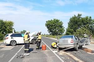 Nehoda dvou osobních automobilů u Dobřejovic.