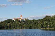 Z Benešova na Konopiště a zpět se vydali zájemci na kolečkových bruslích v rámci akce Zámecké inline.