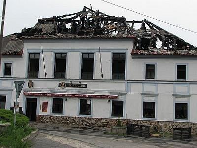 Požár choceradského Sport clubu.