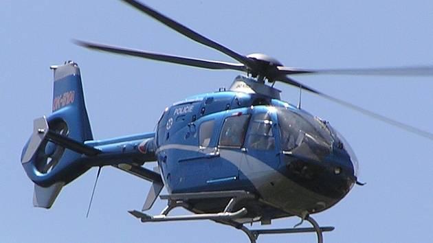 Policejní vrtulník.