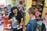 Ze čtení prarodičů dětem v Základní škole Jiráskova v Benešově.