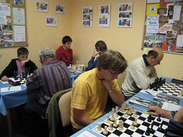 Momentka z utkání 1. kola regionální soutěže Pravonín - Postupice.