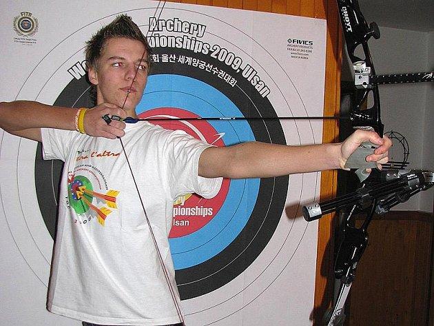 Robin Hood z Bystřice, i tak by se mohl přezdívat mladý nadějný sportovec, který nás letos reprezentoval na Evropském poháru v Itálii, kde získal stříbrnou medaili.