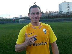 Martin Turek (SK Benešov) slaví dva góly do sítě Dobrovice.