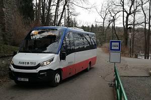 Městská hromadná doprava jezdí i do Konopiště.
