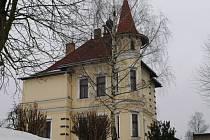 Základní škola a Praktická škola Benešov a její sídlo, vila Katuška.