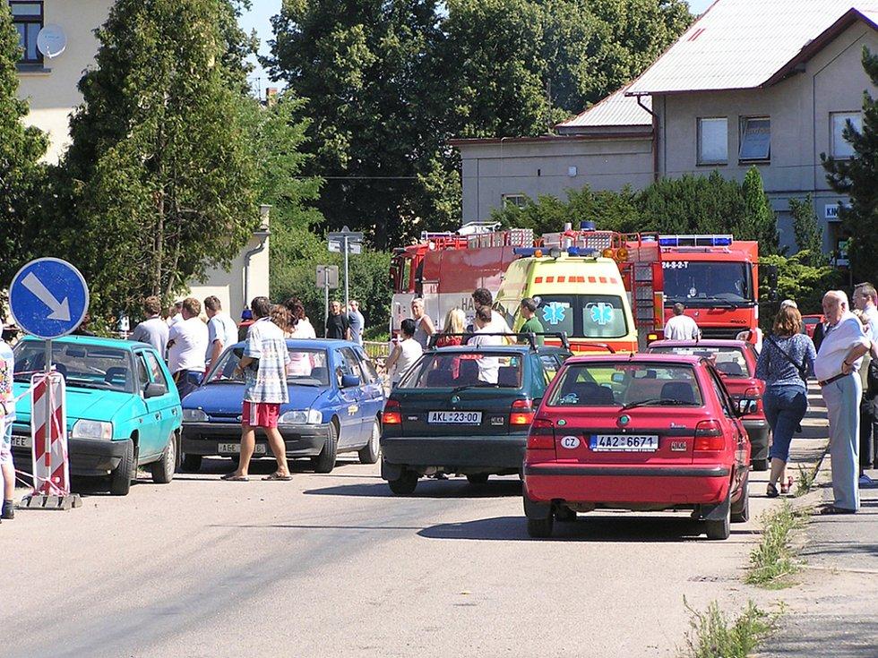 Ucpaná Nádražní ulice v Čerčanech