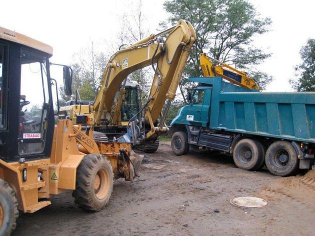 Výstavba kanalizace v osadách Týnce - 23. září 2008