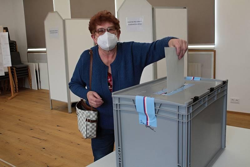 Volby v Bystřici.
