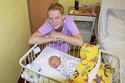 Adam Havel se narodil rodičům Lence Roušalové a Petrovi Havlovi 27. června v 8.46, kdy měl 3150 gramů a 50 centimetrů. Doma ve Veliši na něj čeká bráška Kubík (3).