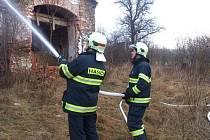 Požár stodoly opuštěného statku na samotě Chrastovice byl ohlášený v neděli 18. ledna v 1.41 hodin.
