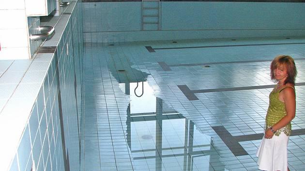 Krytý bazén před rekonstrukcí.
