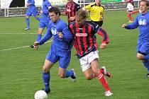 Horst Siegl (vpravo) v souboji s třeboňským Michalem Brozmanem.