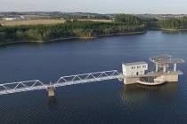 Vodní nádrž Švihov slouží jako zdroj pitné vody pro téměř celou středočeskou oblast včetně Prahy.
