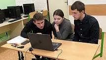 Třetí nejlepší tým v krajském kole soutěže z odborných předmětů Ekonomický tým 2021: Lenka Provazníková, Daniel Buchal a Tomáš Říha z Obchodní akademie Vlašim.